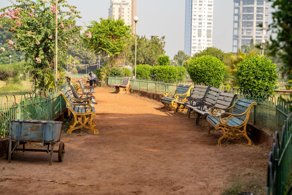 hanging gardens of mumbai historical bombay park parks india tourism sites tranquil places greenery