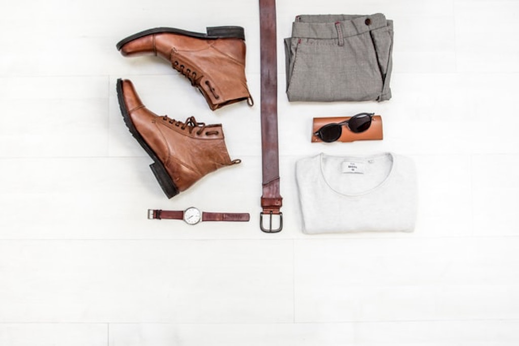 japanese packing trends tips tricks men men's clothes packing belt boots pants shirt sunglasses watch upscale clothing