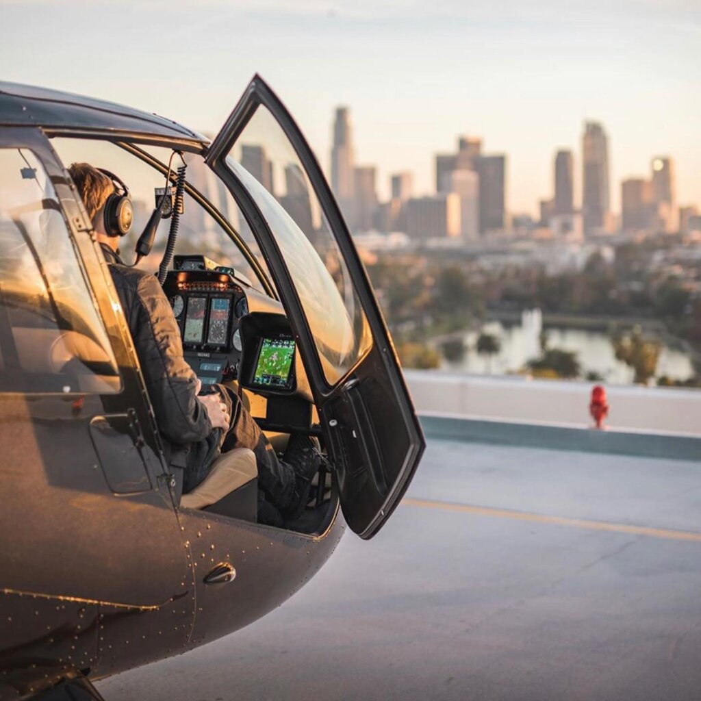 Hop on a Los Angeles Helicopter Tour with YRH